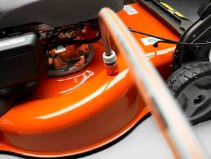 Cortacésped Husqvarna LC 353AWD - Conexión para manguera