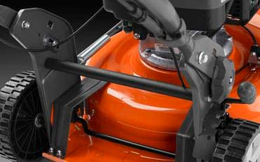 Cortacésped Husqvarna LC 353V ABS - Parte trasera de fácil agarre para levantar