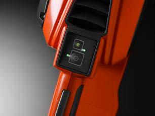 Motosierra a batería Husqvarna 330i - Teclado intuitivo
