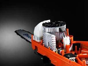 Motosierra a batería Husqvarna 340i - Motor sin escobillas eficiente