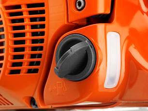 Motosierra a gasolina Husqvarna 572 XP - Tapones apertura fácil