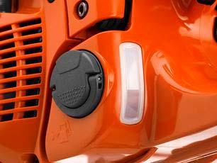 Motosierra a gasolina Husqvarna 572 XP - Visor de nivel de combustible transparente