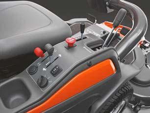 Rider Cortacésped Husqvarna P 524 - Facilidad de acceso a los controles
